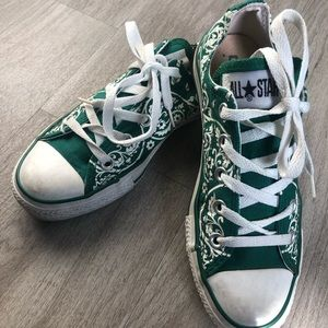 Converse Shoes - 🛑SOLD🛑GREEN FLORAL Converse All-Star Sz.6